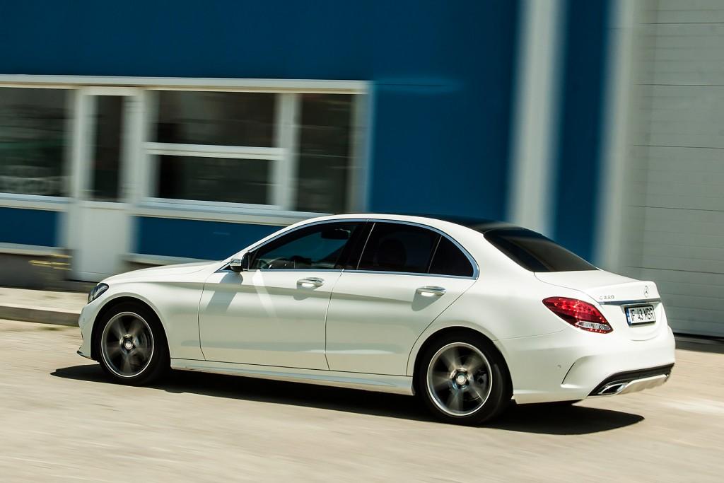 BMW_320d_vs_Mercedes_220d (4)